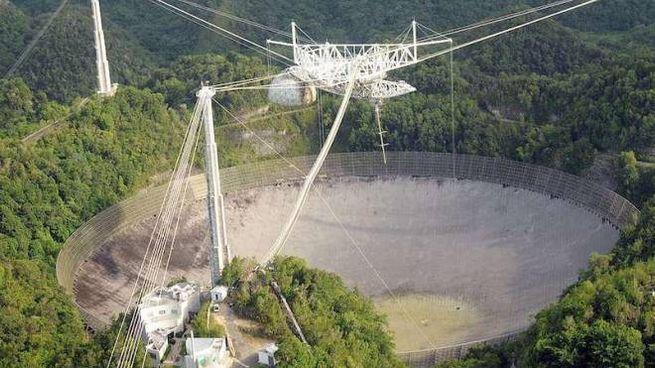 Il radiotelescopio di Arecibo, nell'isola di Portorico, chiude: è stato un simbolo anche per la fiction avventurosa