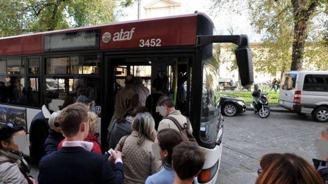 Fermata dell'autobus (immagine di repertorio)