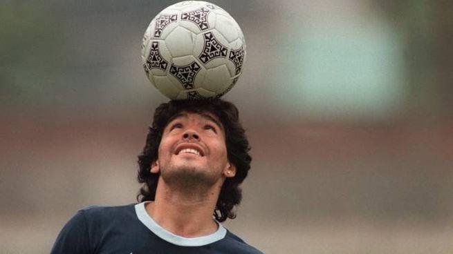 Un giovane Diego Armando Maradona (Ansa)