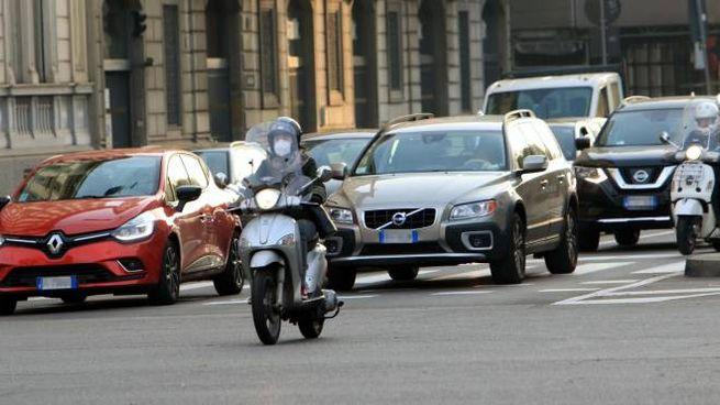 Automobili Milano (Ansa)