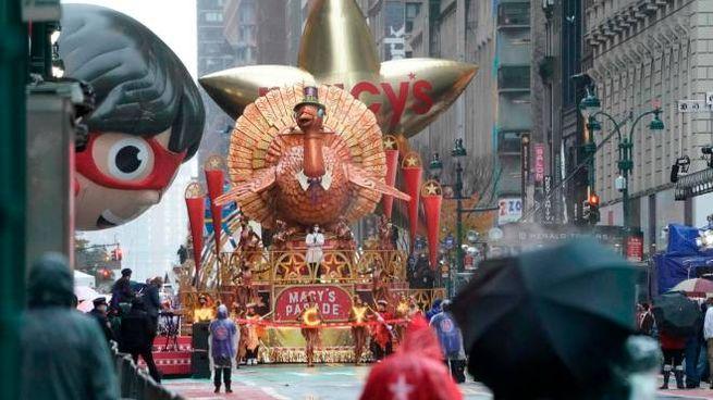 La parata per il Thanksgiving a New York (Ansa)
