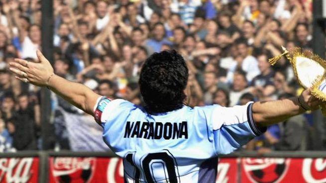 Maradona con la maglia n. 10 dell'Argentina (Ansa)