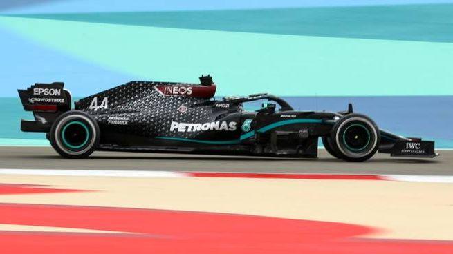Lewis Hamilton sulla Mercedes-AMG Petronas (Ansa)