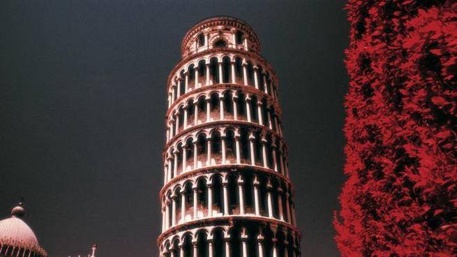La Torre in un suggestivo scorcio notturno
