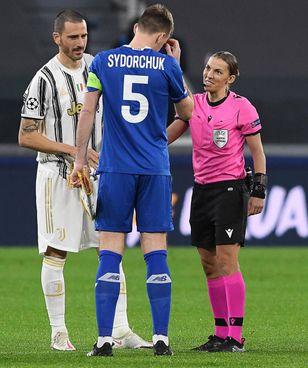 Stephanie Frappart, 36 anni, aveva diretto la finale di Supercoppa. 2019