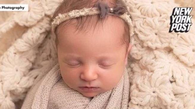 Molly Everette Gibson, la bimba venuta dal freddo, in una foto del New York Post