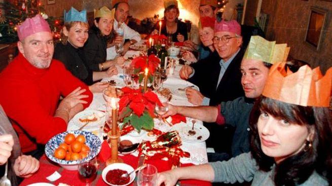 Una tavolata delle feste: il Natale di quest'anno non sarà così