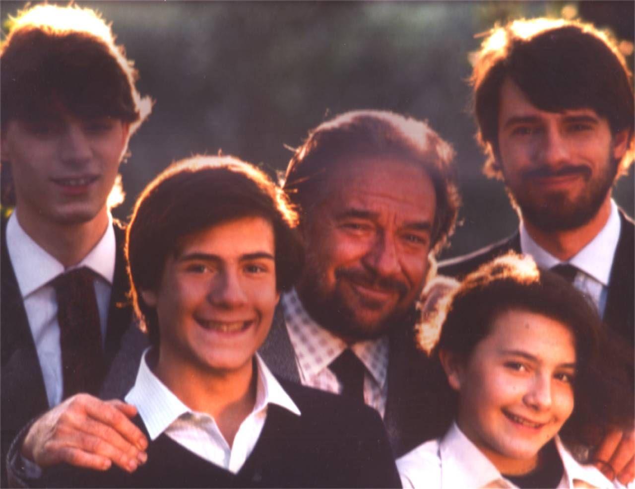 La famiglia Tognazzi. In primo piano il figlio Gian Marco, oggi 53 anni