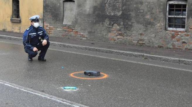 L'incidente sulla via Emilia (foto Artioli)