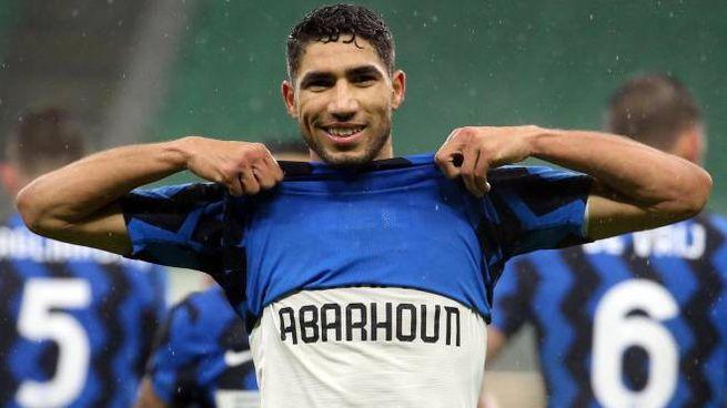 Achraf Hakimi, protagonista con una doppietta nel 3-1 dell'Inter al Bologna (Ansa)