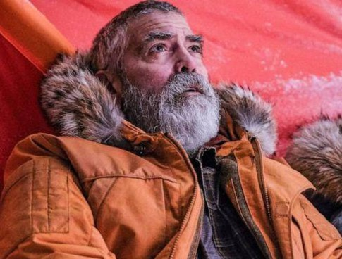 """George Clooney, 59 anni, è dimagrito 14 chili per il film """"The Midnight Sky"""""""