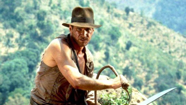 Una scena di uno dei film di Indiana Jones, interpretati da Harrison Ford, oggi 78 anni