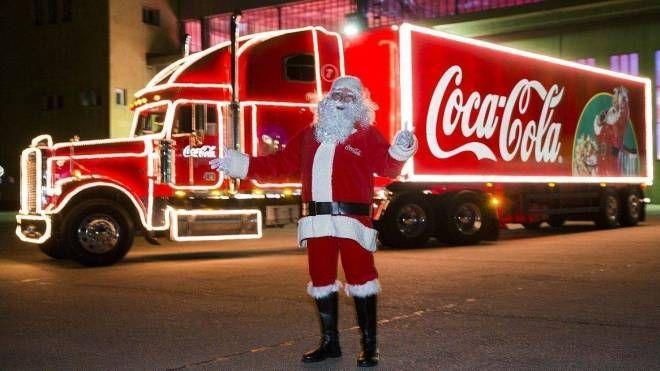 Coca Cola Babbo Natale.Christmas Truck Il Camion Del Natale Coca Cola Fa Tappa A Firenze E Incanta Tutti Cronaca
