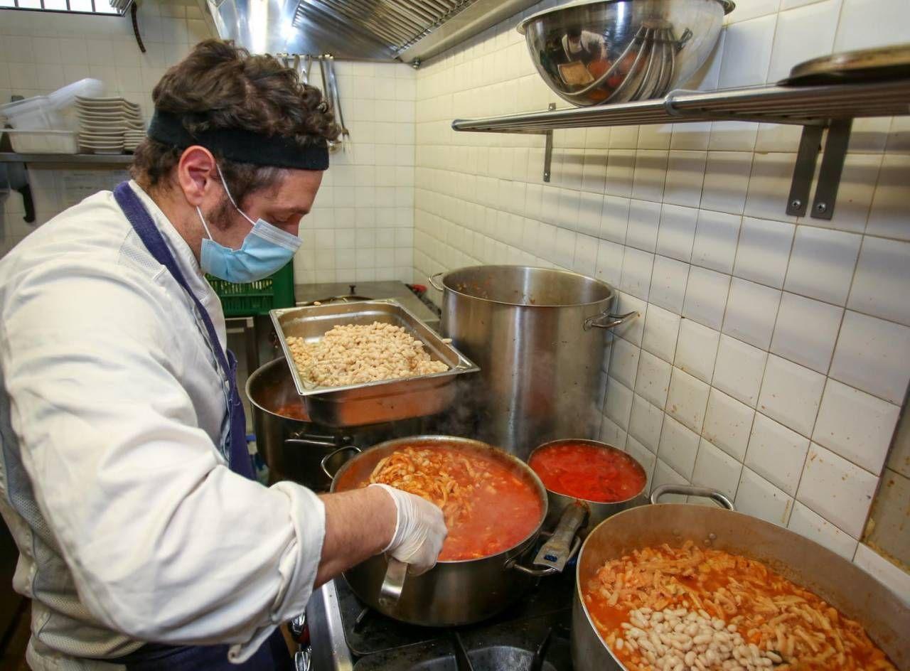 Per Chi E Uscito Da Scuola Arriva Un Corso Di Cucina Cronaca Lanazione It