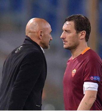 Luciano Spalletti e Francesco Totti: un rapporto prima idilliaco, poi conflittuale, infine simbolo della difficile relazione tra tecnico e giocatore
