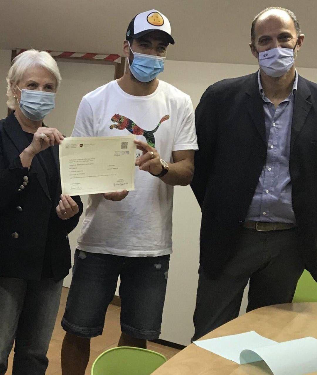 Da sinistra, l'ex rettrice Giuliana Grego Bolli, l'attacante Luis Suarez e l'ex esaminatore Lorenzo Rocca