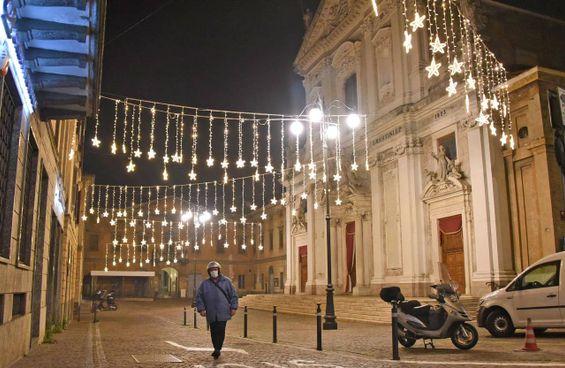 Piazza Italia ad Alzano Lombardo, uno dei comuni simbolo della prima ondata