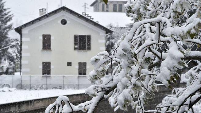 Previsioni meteo: Natale con neve a quote collinari