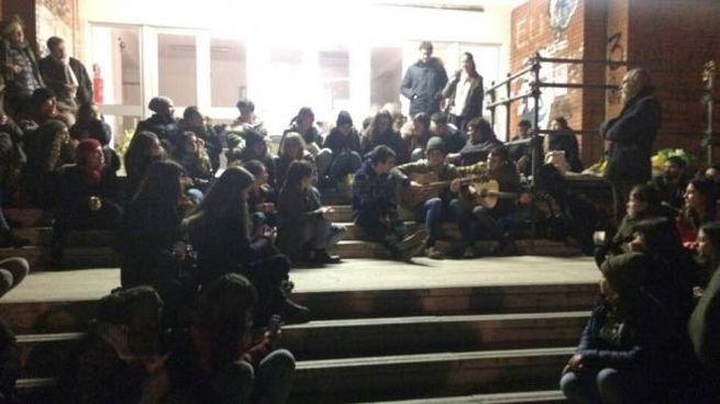 Sit-in al Nolfi di Fano (Foto Franceschetti)