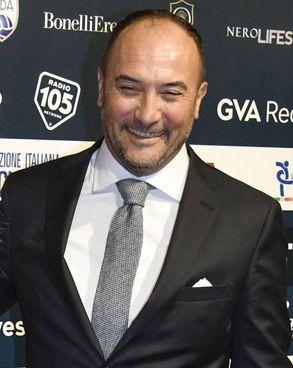 Pierluigi Casiraghi, 51 anni, ha segnato 61 gol in A con Juve e Lazio in nove stagioni. In Nazionale 13 reti in 44 gare, ha poi allenato l'U21 dal 2006 al 2010