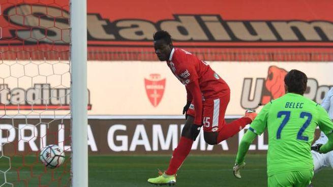 Il Ritorno Di Mario Balotelli In Serie B A Segno Dopo 4 Minuti Con La Maglia Del Monza Sport Calcio