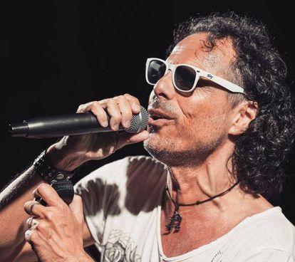Nearco, cantautore, dj. e vocalista, è un castellano doc