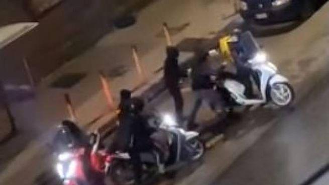 Aggressione a un rider a Napoli