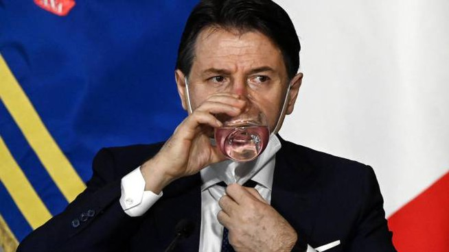 Giuseppe Conte, 56 anni, è presidente del Consiglio dall'1 giugno 2018