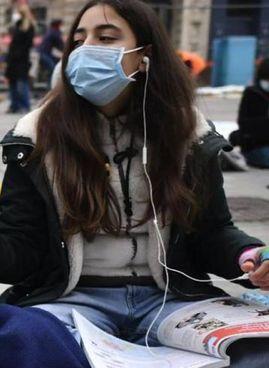 Un sit-in di protesta degli studenti per un ritorno alla didattica in presenza