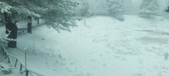 Maltempo in Toscana, neve e grandine ovunque. Disagio sulle strade