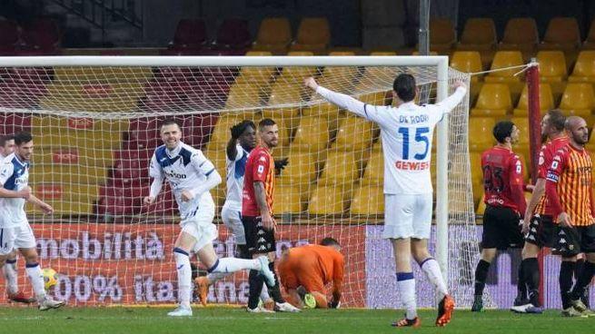 Josip Ilicic in gol contro il Benevento (Ansa)