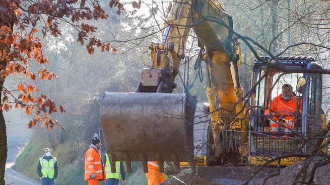 I lavori per rimuovere la frana a Lastra a Signa (foto Germogli)