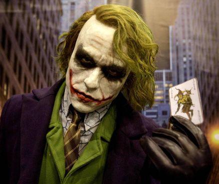Heath Ledger interpreta il Joker ne 'Il cavaliere oscuro', film del 2008 di Nolan
