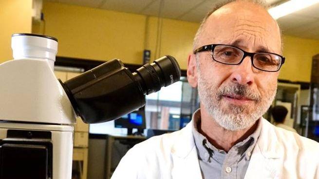 Il professor Gian Maria Rossolini direttore del laboratorio di Microbiologia di Careggi