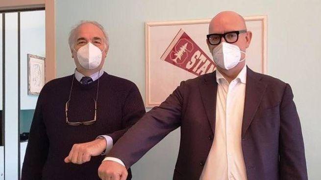 Il dottor Domenico Nevone con il dg Asst Bergamo Ovest, Peter Assembergs