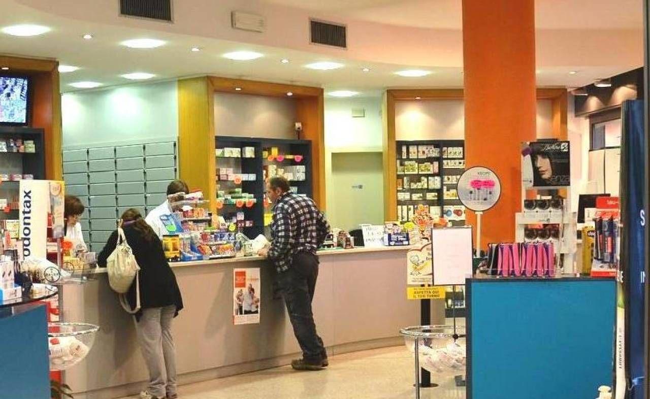I clienti di una farmacia, con l'abbassamento verticale dei casi di influenza, sono calati drasticamente anche la vendita di medicinali