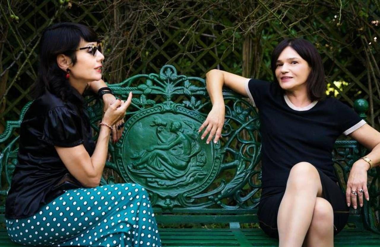 Elisabetta Sgarbi con l'attrice Chiara Caselli nei giorni delle riprese