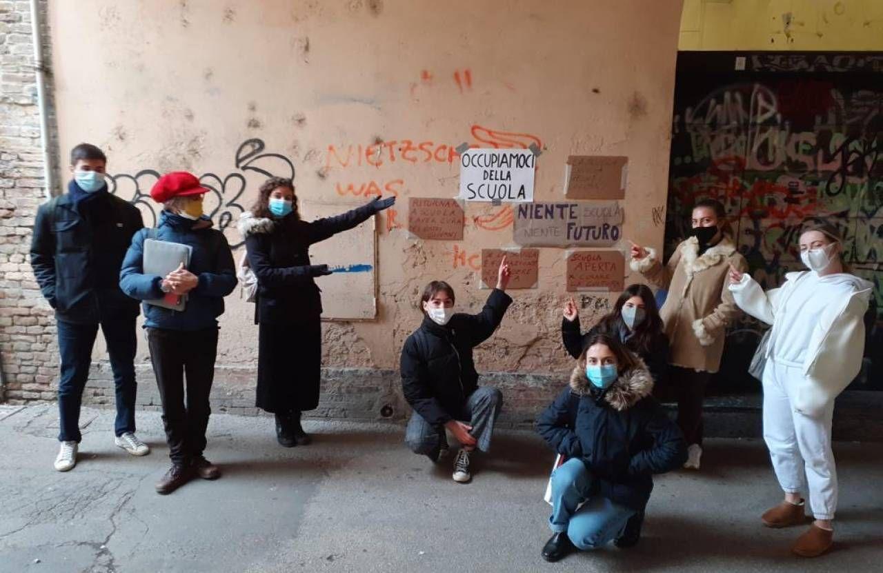 Una protesta di studenti faentini nei giorni scorsi