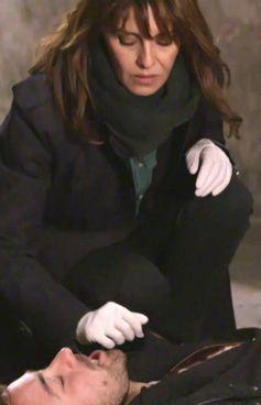 Paola Cortellesi-Petra nella serie Sky