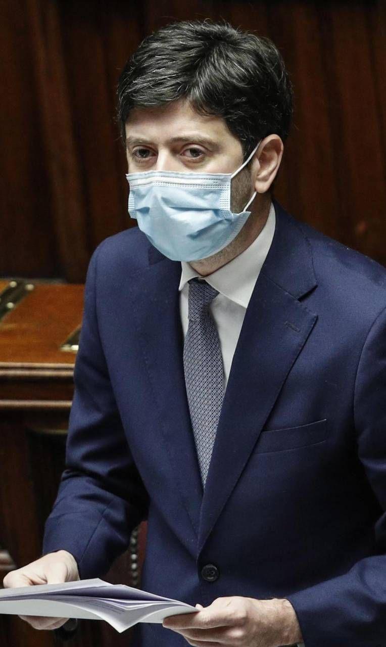 Il ministro Roberto Speranza, 42 anni
