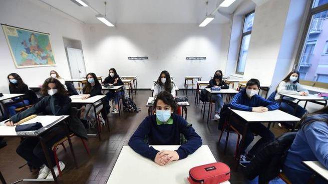 Torino, rientro a scuola in presenza al 50% per le superiori (Ansa)
