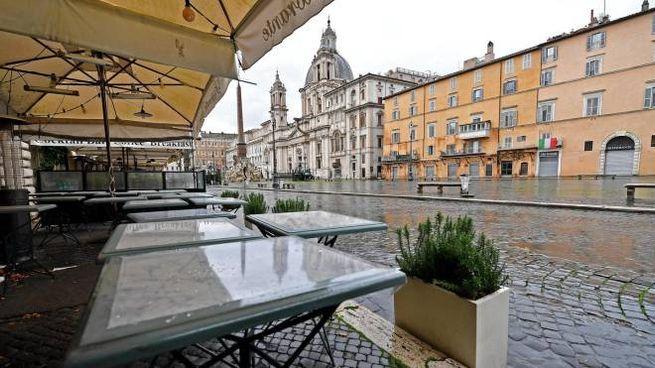 Roma, piazza Navona vuota per le misure anti-Covid (Ansa)