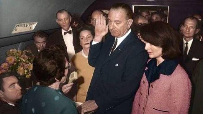 Il giuramento di Lyndon Johnson nel 1963