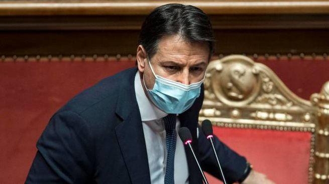 Giuseppe Conte incassa in Senato una fiducia risicata (Ansa)