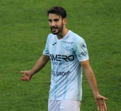 Francesco Grandolfo con la maglia del Legnago. Con la Vis Pesaro ha disputato 18 partite e segnato due gol in mezza stagione
