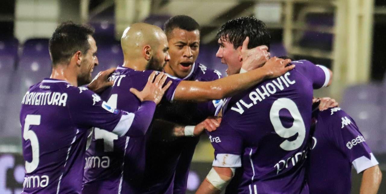 Ribery suggerisce, Vlahovic segna in scivolata il suo settimo gol stagionale: la Fiorentina festeggia il raddoppio