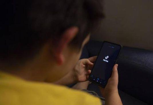 Il Garante privacy venerdì ha imposto a Tik Tok una verifica sull'età di chi usa il social