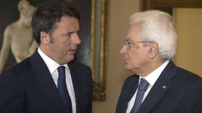 Matteo Renzi e Sergio Mattarella (Ansa)