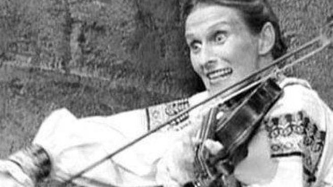 """Cloris Leachman in """"Frankenstein Junior"""" (1974): Frau Blücher è morta a 94 anni"""
