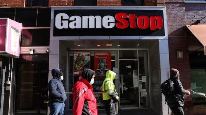 Un negozio della catena Gamestop (Ansa)